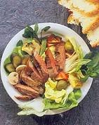 poor-boy-steak-salad