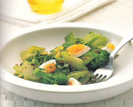 italian broccoli and egg salad